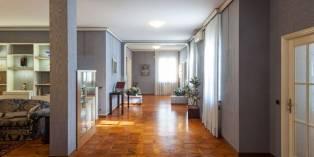 Casa in VENDITA a Parma di 349 mq