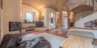 Casa in VENDITA a Parma di 250 mq