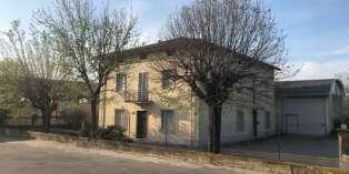 Casa in VENDITA a Parma di 382 mq