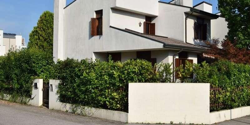 Casa in VENDITA a Treviso di 200 mq