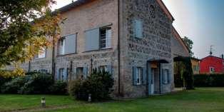 Casa in VENDITA a Parma di 650 mq
