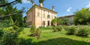 Casa in VENDITA a Polesine Zibello di 510 mq