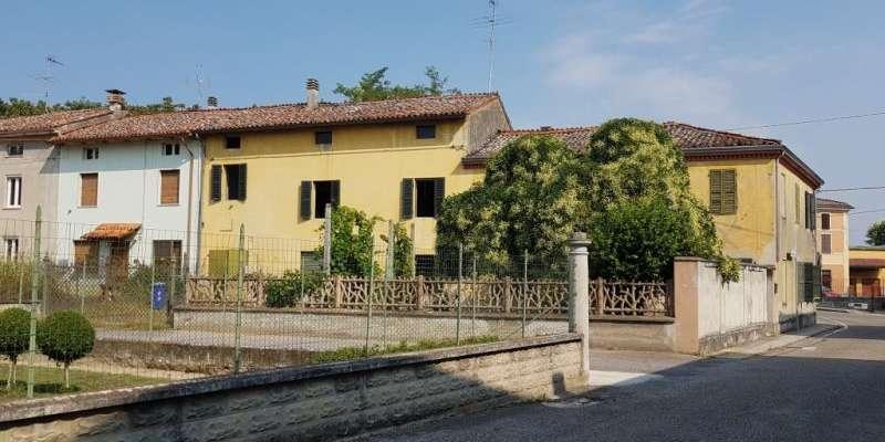 Casa in VENDITA a Zibello di 390 mq