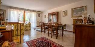 Casa in VENDITA a Parma di 210 mq
