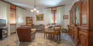 Casa in VENDITA a Parma di 145 mq
