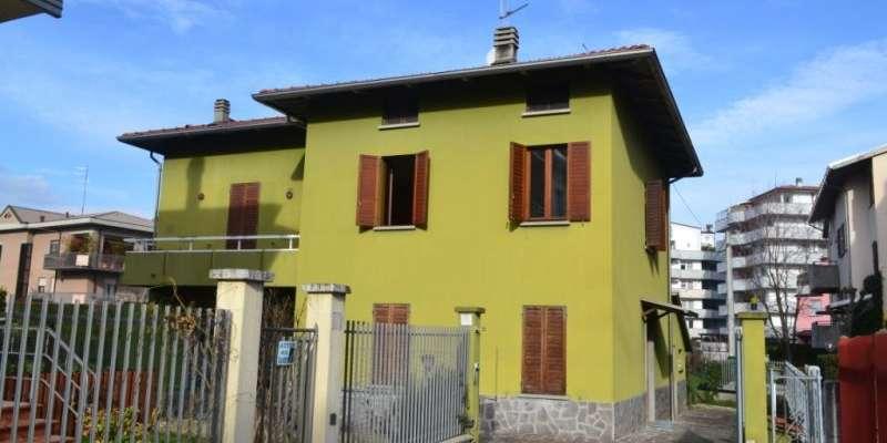 Casa in VENDITA a Parma di 155 mq