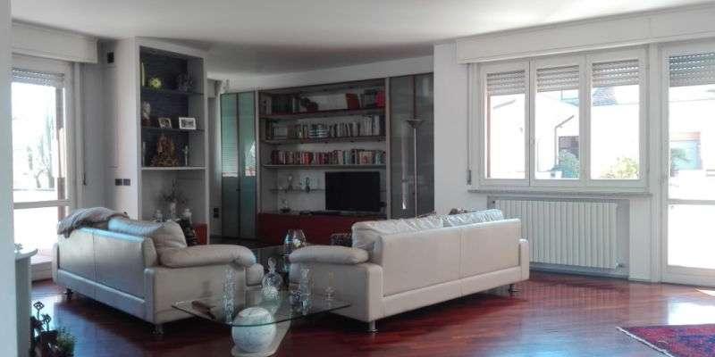 Casa in VENDITA a Parma di 171 mq