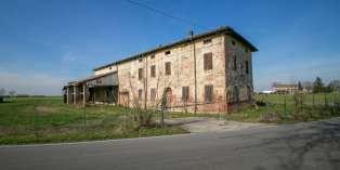 Casa in VENDITA a Fontevivo di 500 mq