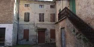 Casa in VENDITA a Noceto di 600 mq