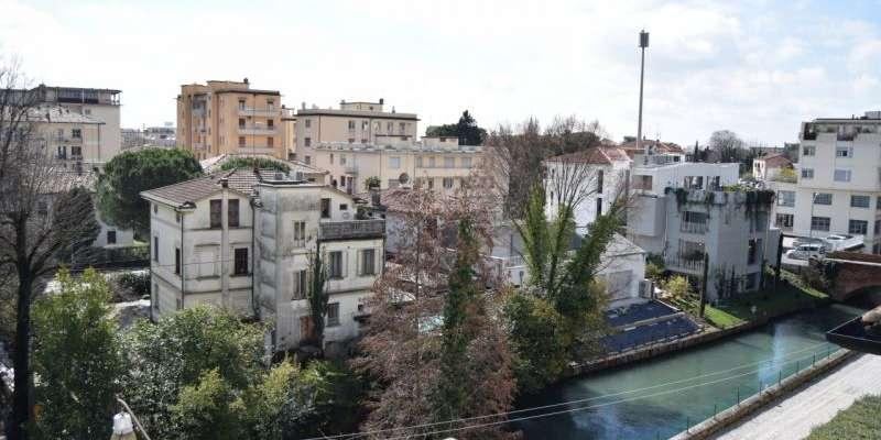 Casa in VENDITA a Treviso di 434 mq