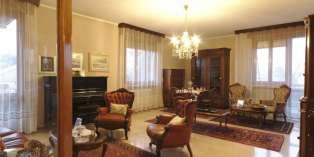 Casa in VENDITA a Parma di 180 mq