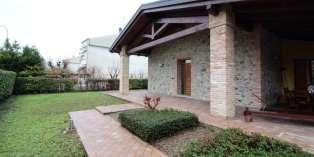 Casa in VENDITA a Medesano di 237 mq
