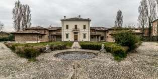 Casa in VENDITA a Casalmaggiore di 1026 mq