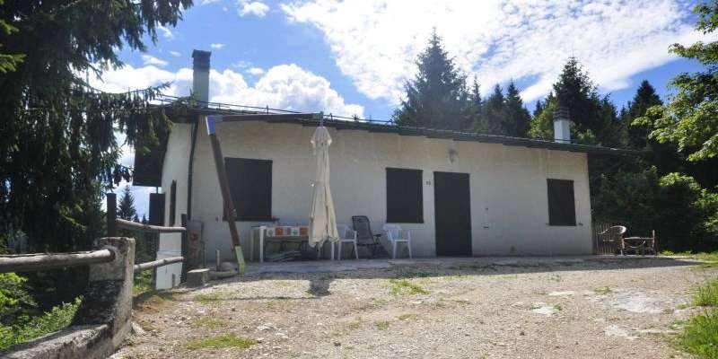 Casa in VENDITA a Roana di 185 mq