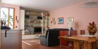 Casa in VENDITA a Parma di 201 mq