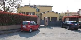 Casa in VENDITA a Traversetolo di 350 mq