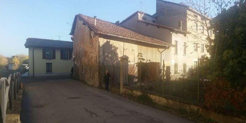 Casa in VENDITA a Montecchio Emilia di 346 mq