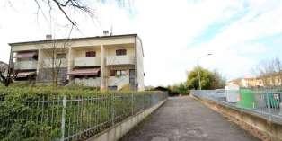 Casa in VENDITA a Parma di 137 mq