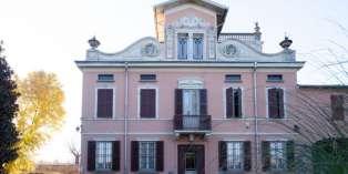 Casa in VENDITA a Parma di 400 mq