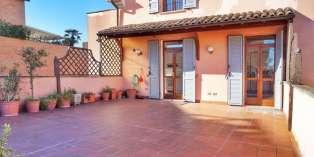 Casa in VENDITA a Parma di 161 mq