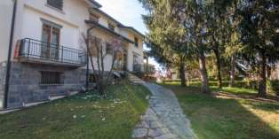 Casa in VENDITA a Parma di 410 mq