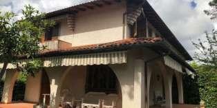 Casa in VENDITA a Forte dei Marmi di 155 mq