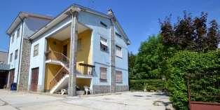 Casa in VENDITA a Parma di 270 mq