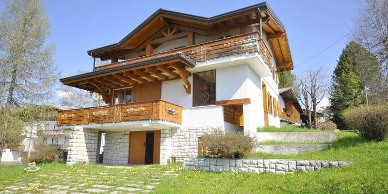 Casa in VENDITA a Canove di 215 mq