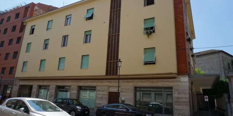 Casa in VENDITA a Parma di 268 mq