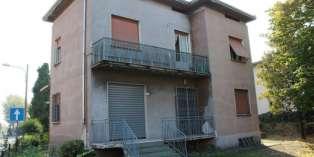 Casa in VENDITA a Langhirano di 240 mq