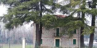 Casa in VENDITA a Felino di 250 mq