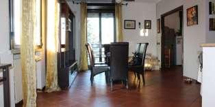 Casa in VENDITA a Parma di 170 mq