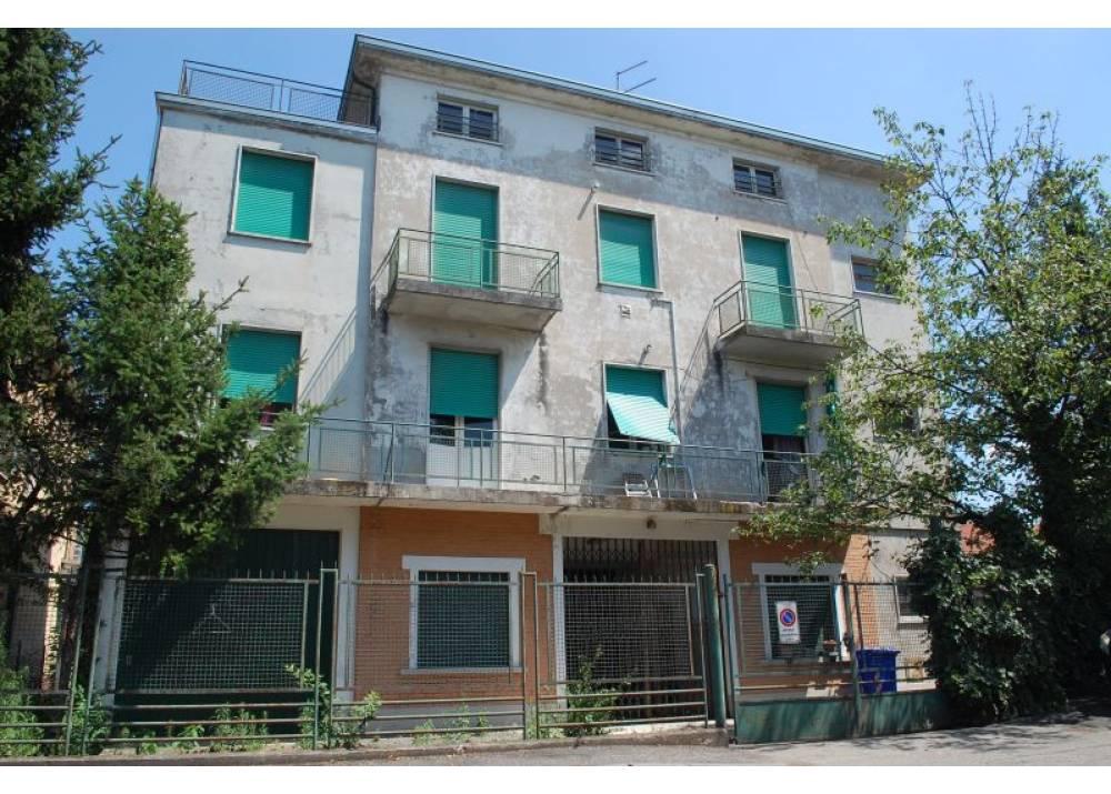 Vendita Villa a Parma  Q.re Crocetta di 1000 mq