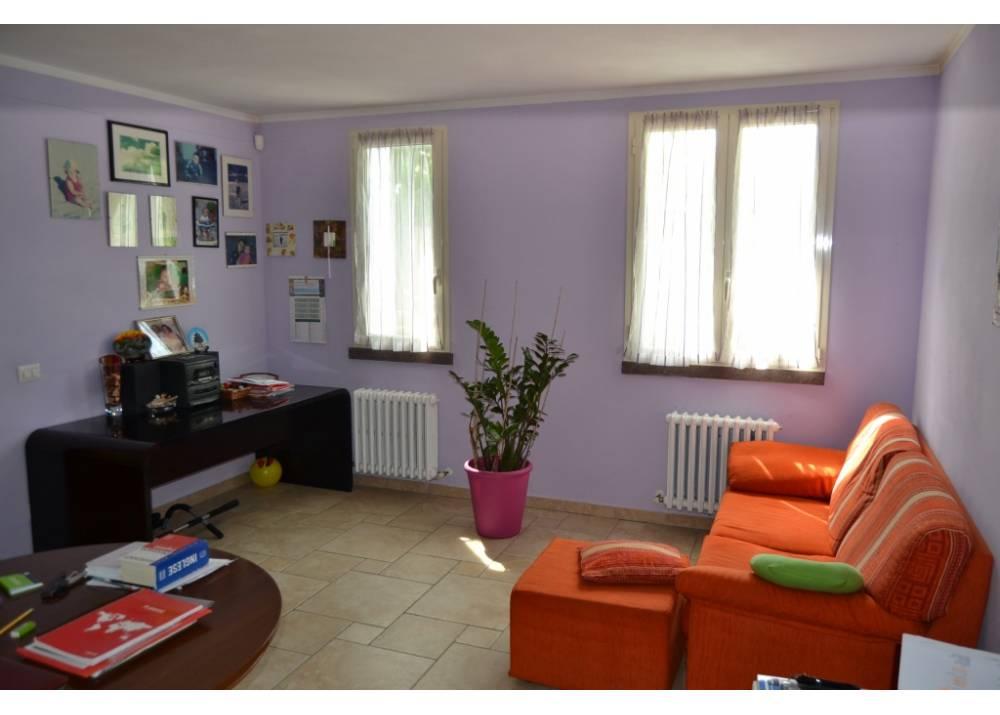 Vendita Villa a Parma  zona Moletolo di 400 mq
