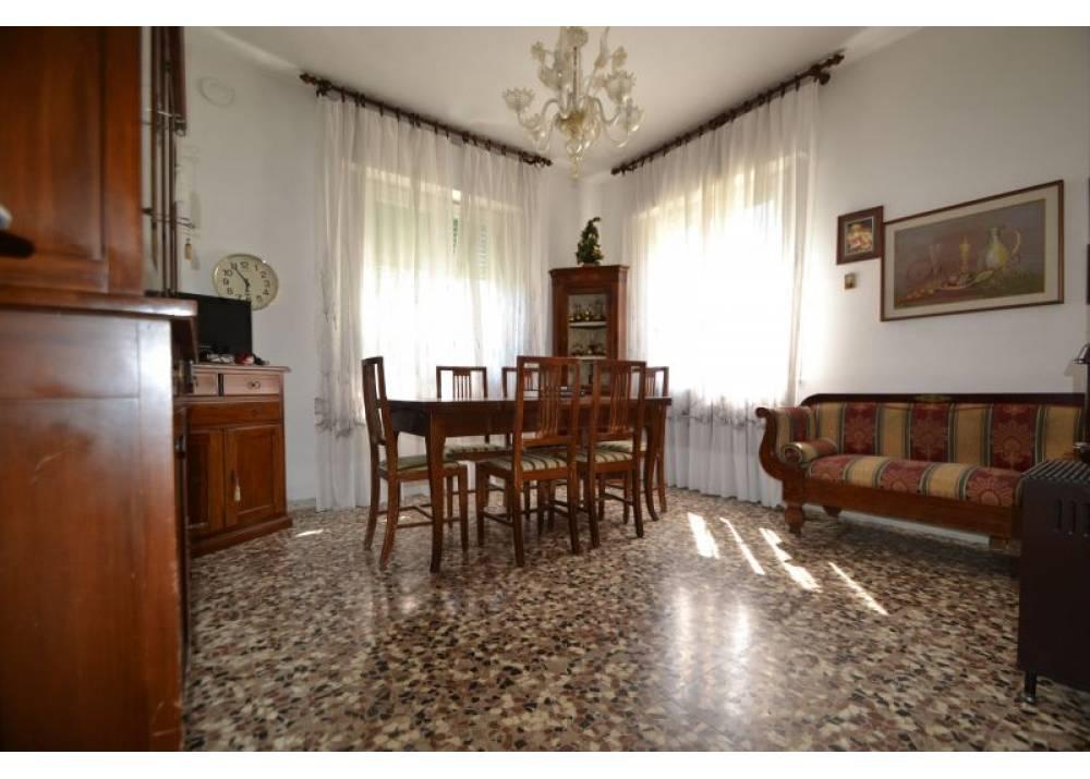 Vendita Casa Indipendente a Parma  Paradigna di 240 mq