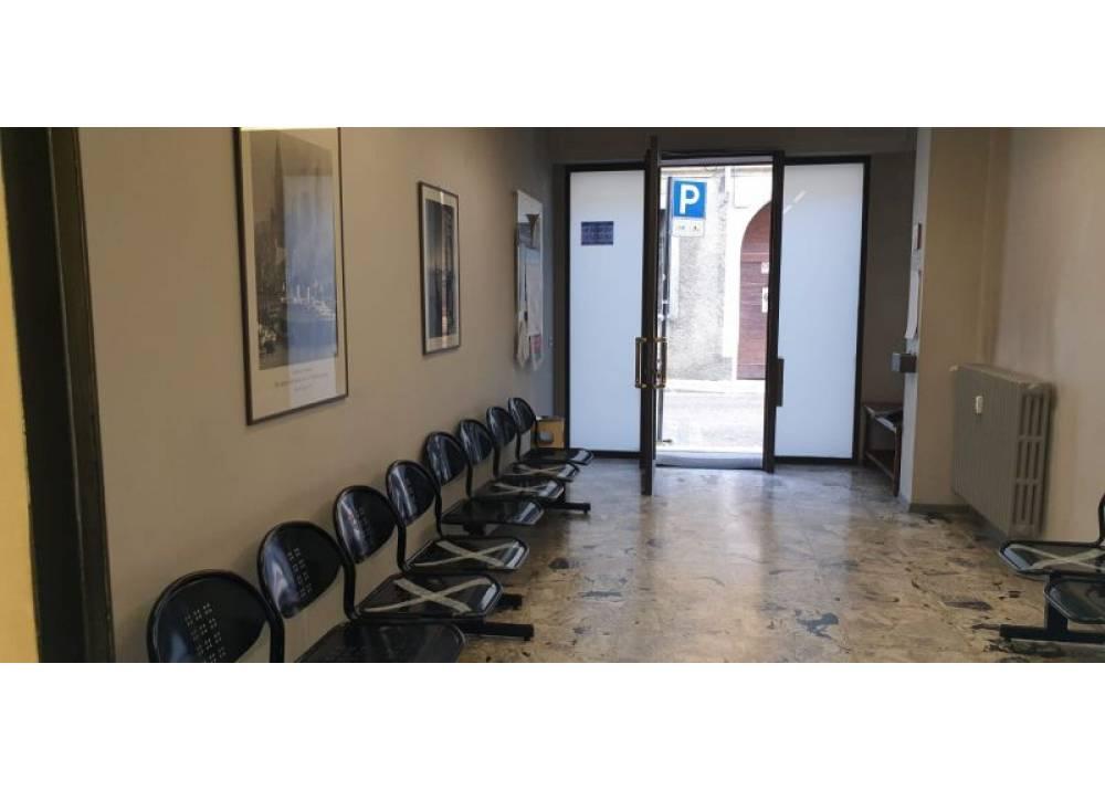 Affitto Locale Commerciale a Parma monolocale centro storico di 36 mq