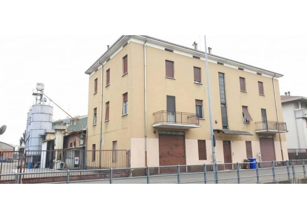 Vendita Appartamento a Parma  Q.re San Leonardo di 2400 mq