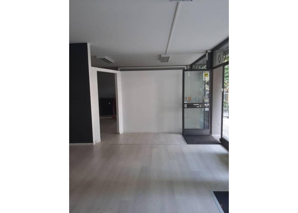 Affitto Locale Commerciale a Parma monolocale Villetta di 120 mq