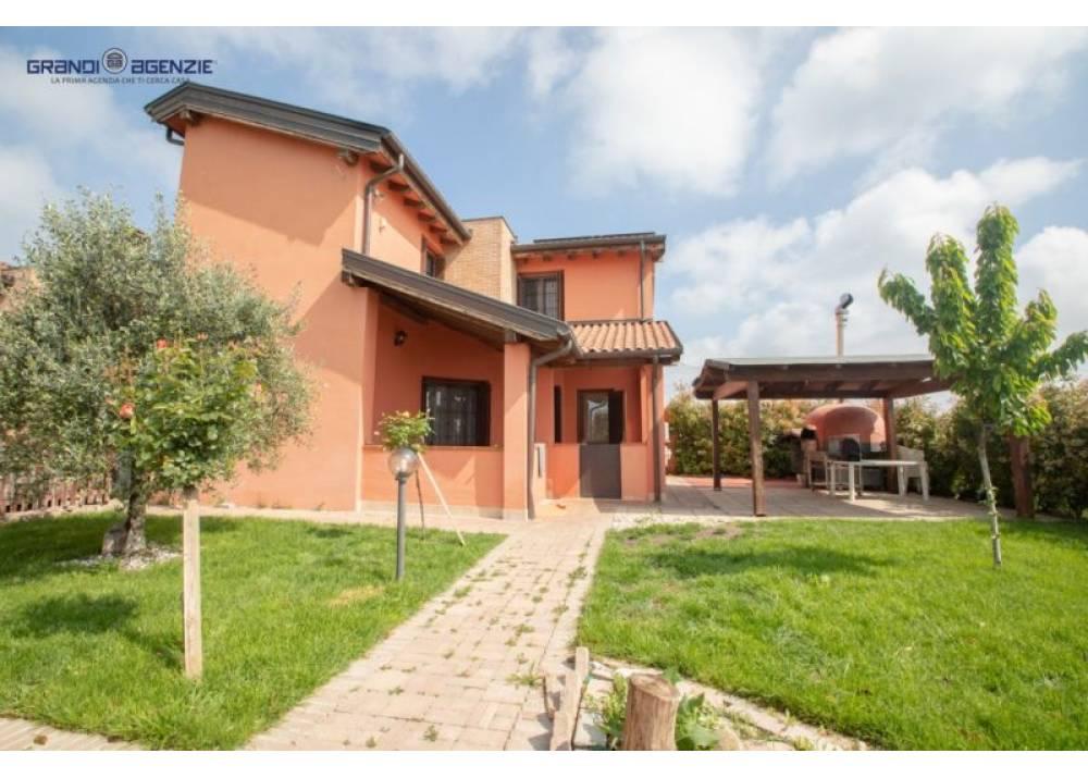 Vendita Villa a Parma quadrilocale  di 137 mq