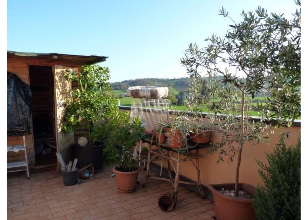 Vendita Appartamento a Lesignano De` bagni trilocale  di 92 mq