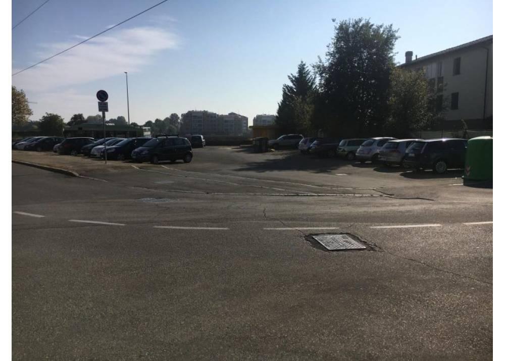Vendita Locale Commerciale a Parma monolocale San Lazzaro - Picasso di 258 mq