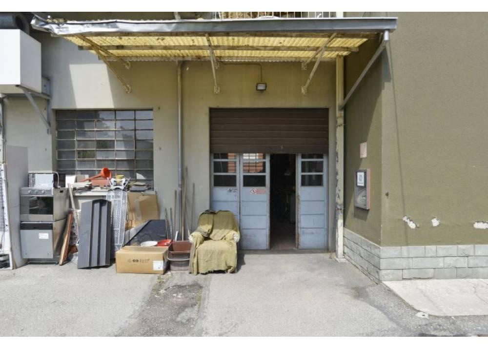 Vendita Locale Commerciale a Parma monolocale Corcagnano di 290 mq