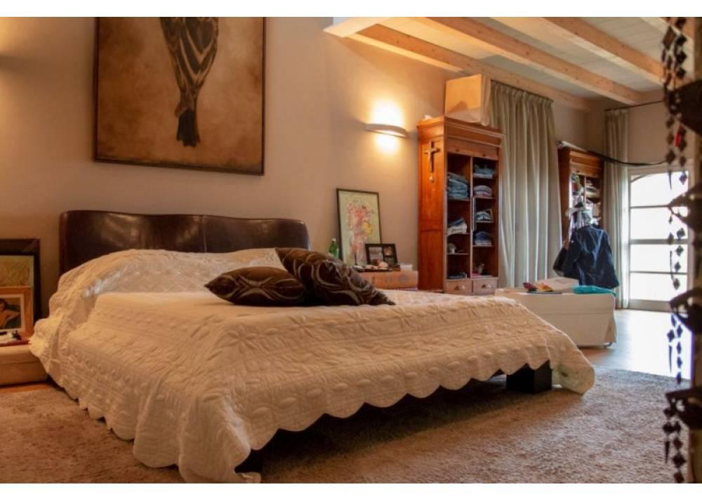 Vendita Villa a Parma   di 650 mq