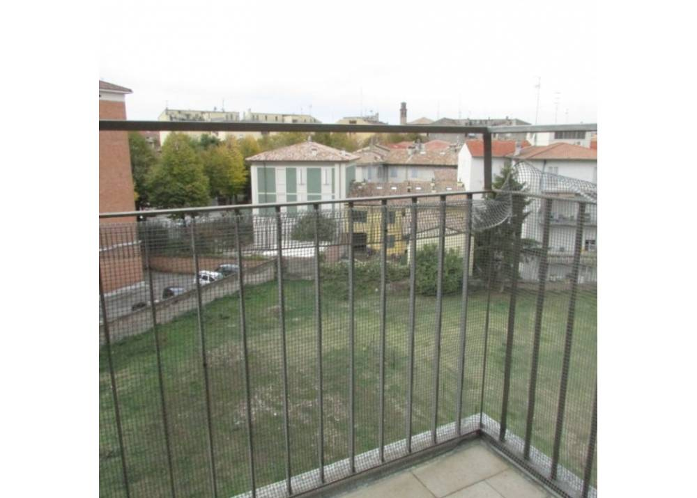 Vendita Casa Indipendente a Parma  Oltretorrente di 1088 mq