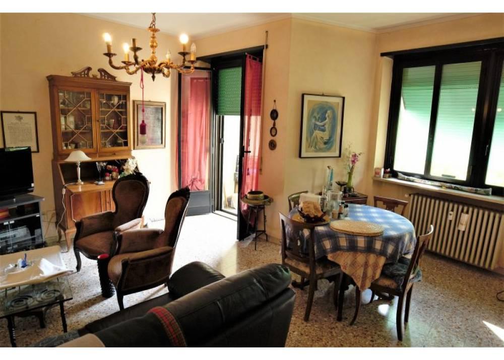 Vendita Appartamento a Parma quadrilocale Parma Centro di 119 mq