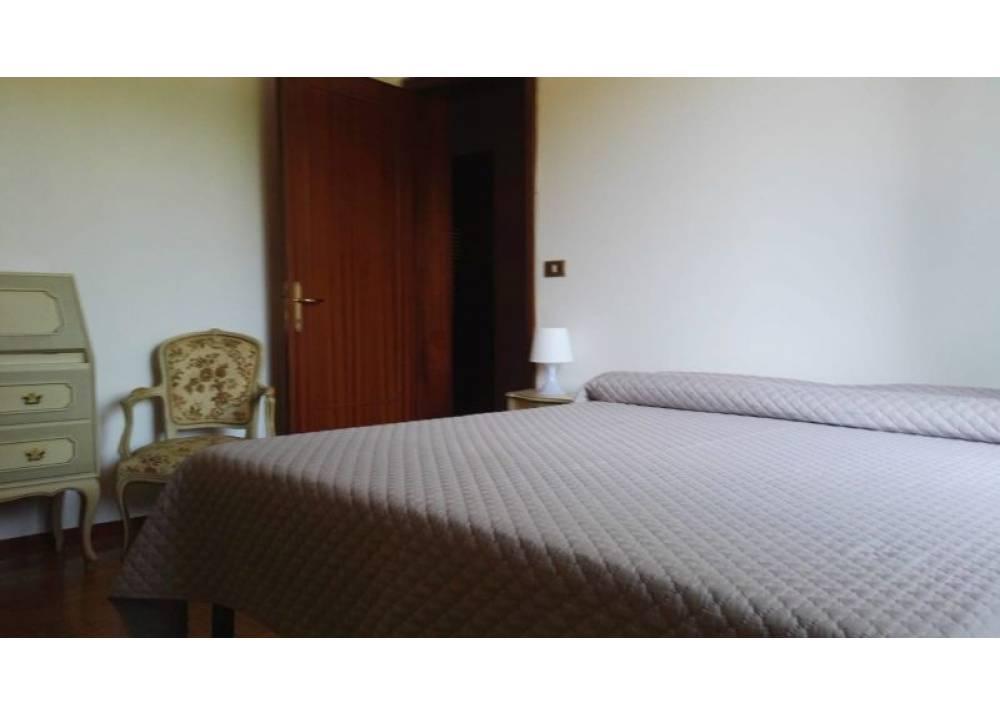 Affitto Appartamento a Parma  Q.re San Lazzaro di 160 mq