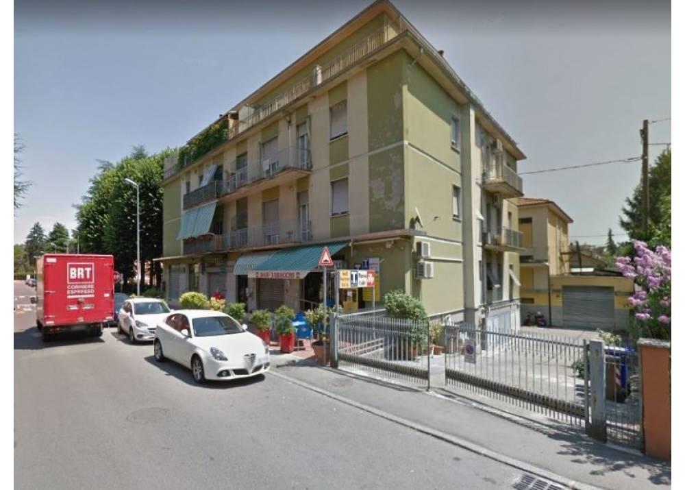 Vendita Locale Commerciale a Parma monolocale Q.re San Lazzaro di 50 mq