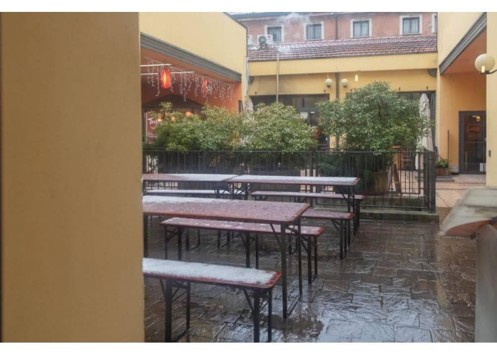 Vendita Negozio a Parma monolocale  di 89 mq