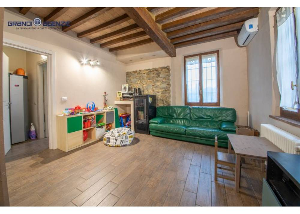 Vendita Casa Indipendente a Fontevivo quadrilocale  di 188 mq