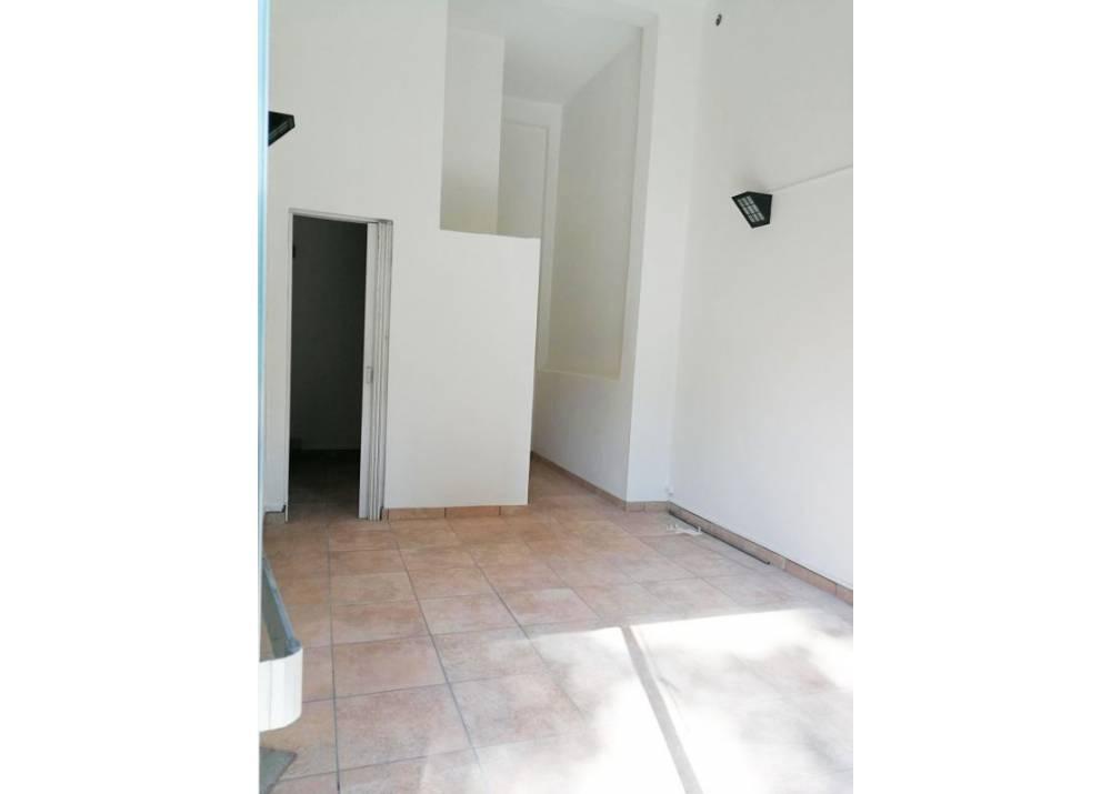 Affitto Locale Commerciale a Parma monolocale Q.re Montebello di 30 mq